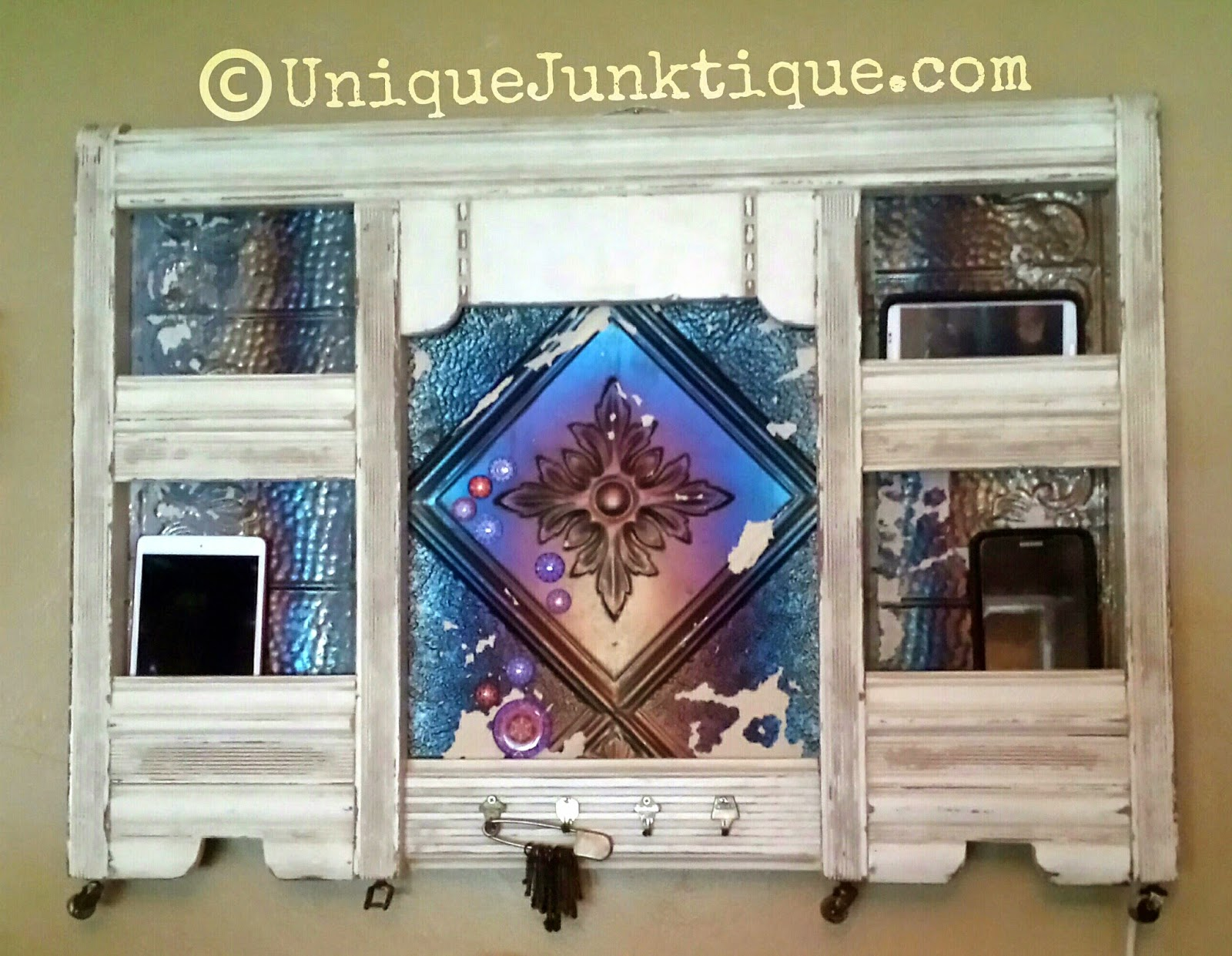 salvaged upcycled message board charging station by uniquejunktique