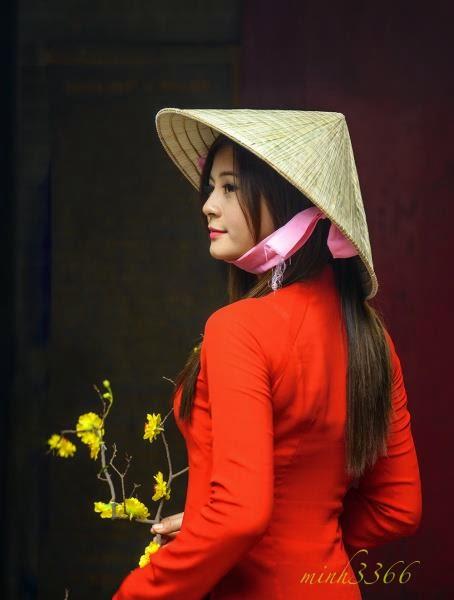 Hotgirl Châu Dương đi lễ chùa đầu năm 9