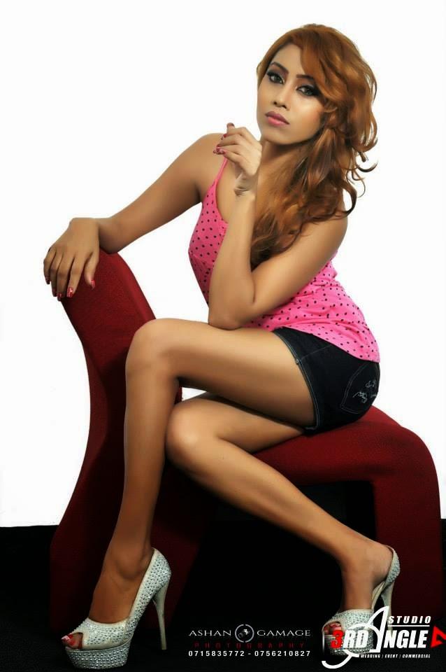 Piumi Srinayaka pink legs
