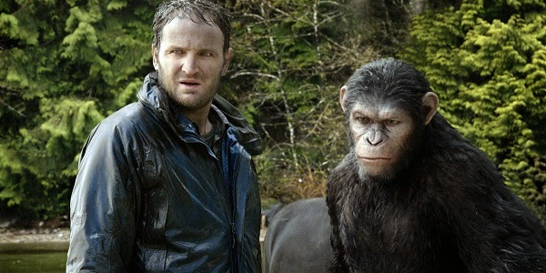 Jason Clarke e Andy Serkis em PLANETA DOS MACACOS: O CONFRONTO (Dawn of the Planet of the Apes)