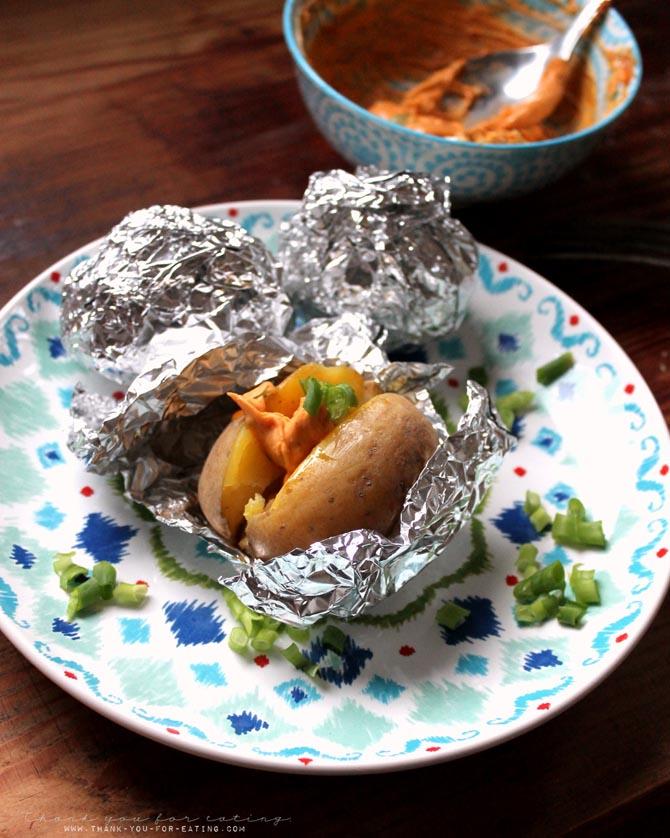 Folienkartoffel mit orientalischem pikanten Dip
