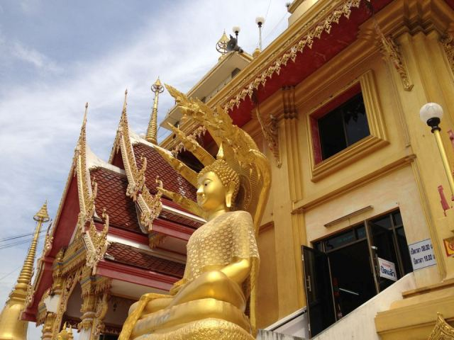 Tourist place in Thailand- Beautiful Wat Kiriwong