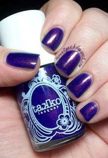 Takko Lacuqer Kiss the Sky Swatch