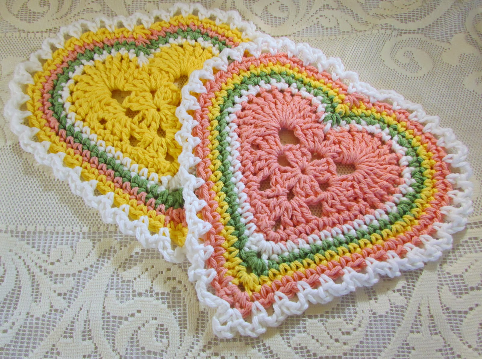 Free Crochet Dishcloth And Potholder Pattern : Nancy Drew Designs: Heart dishcloths