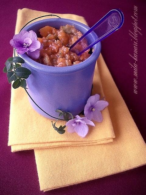 Десерт из запеченной тыквы с фейхоа и кленовым сиропом