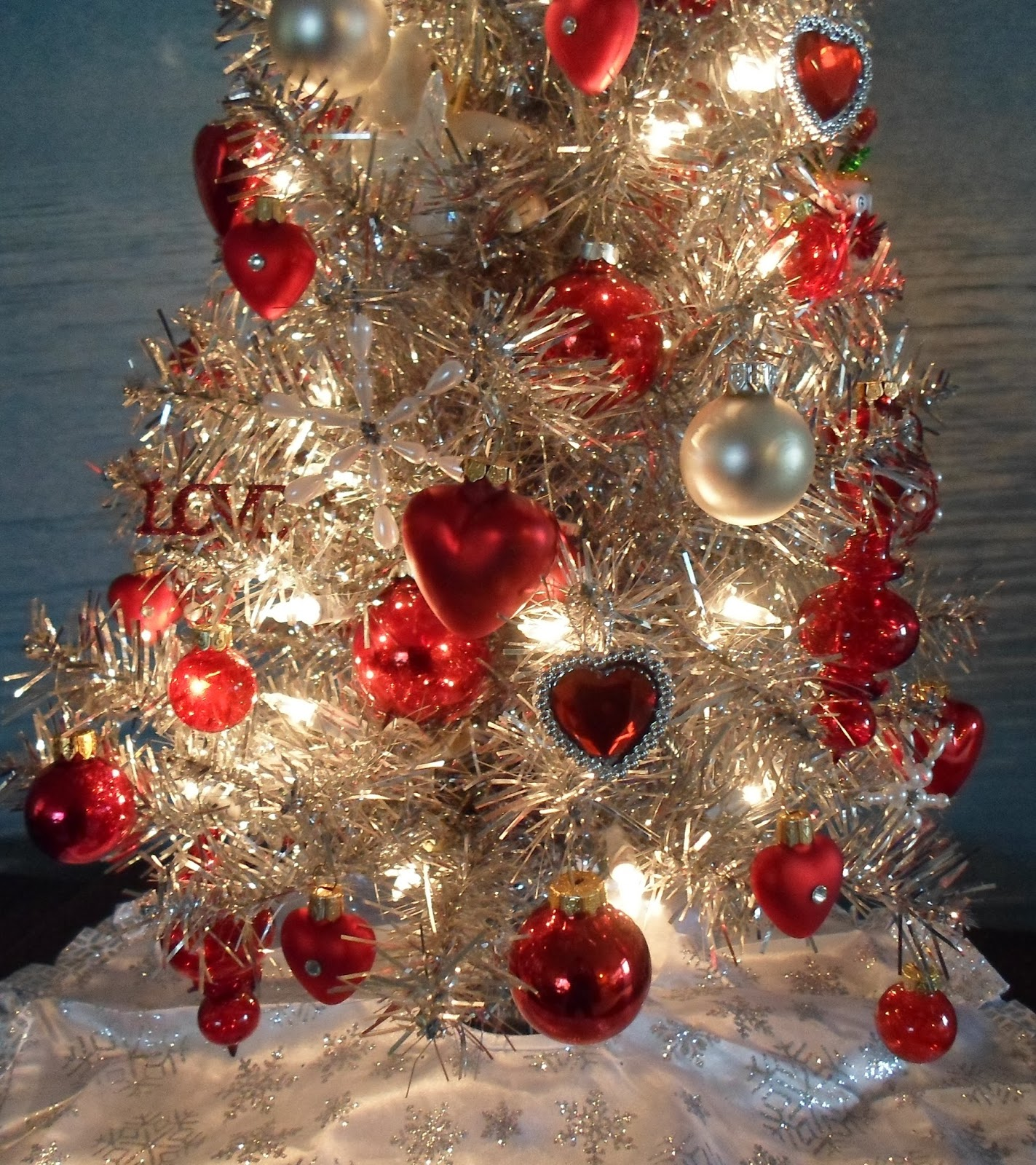 Valentine tree ornaments - These Blingy Valentine Heart Ornaments From Dollar Tree Rings Are A Cute Idea Upper Right And Lower Center Of Pic The Hearts Are A Good 1 1 4 And Are A
