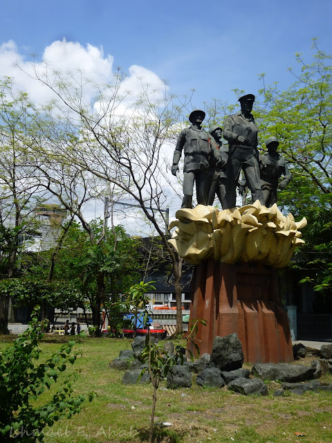 Statue of General Douglas MacArthur, Manila