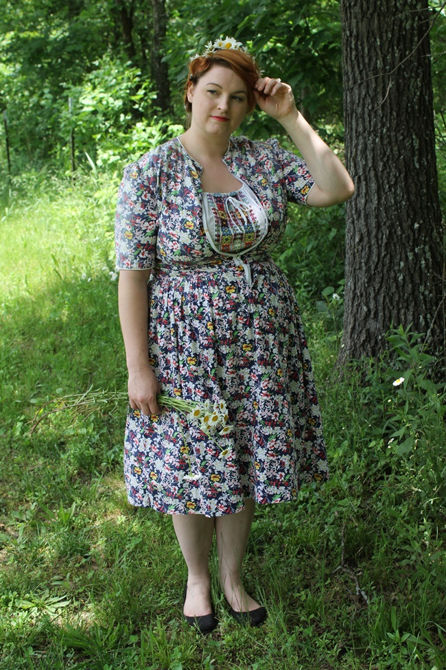 1950s plus size peasant dress