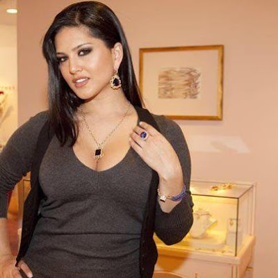 Latest Pictures of Hollywood model Sunny Leone at a Jewellery Store