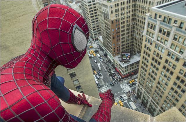 """Cena do filme """"O Espetacular Homem-Aranha 2: A Ameaça de Electro"""""""