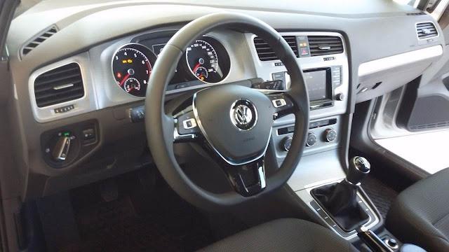 VW Golf 2016 1.6 16V Trendline - espaço interno