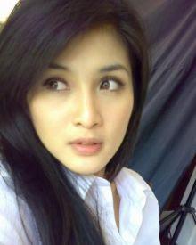 Foto Hot Sandra Dewi