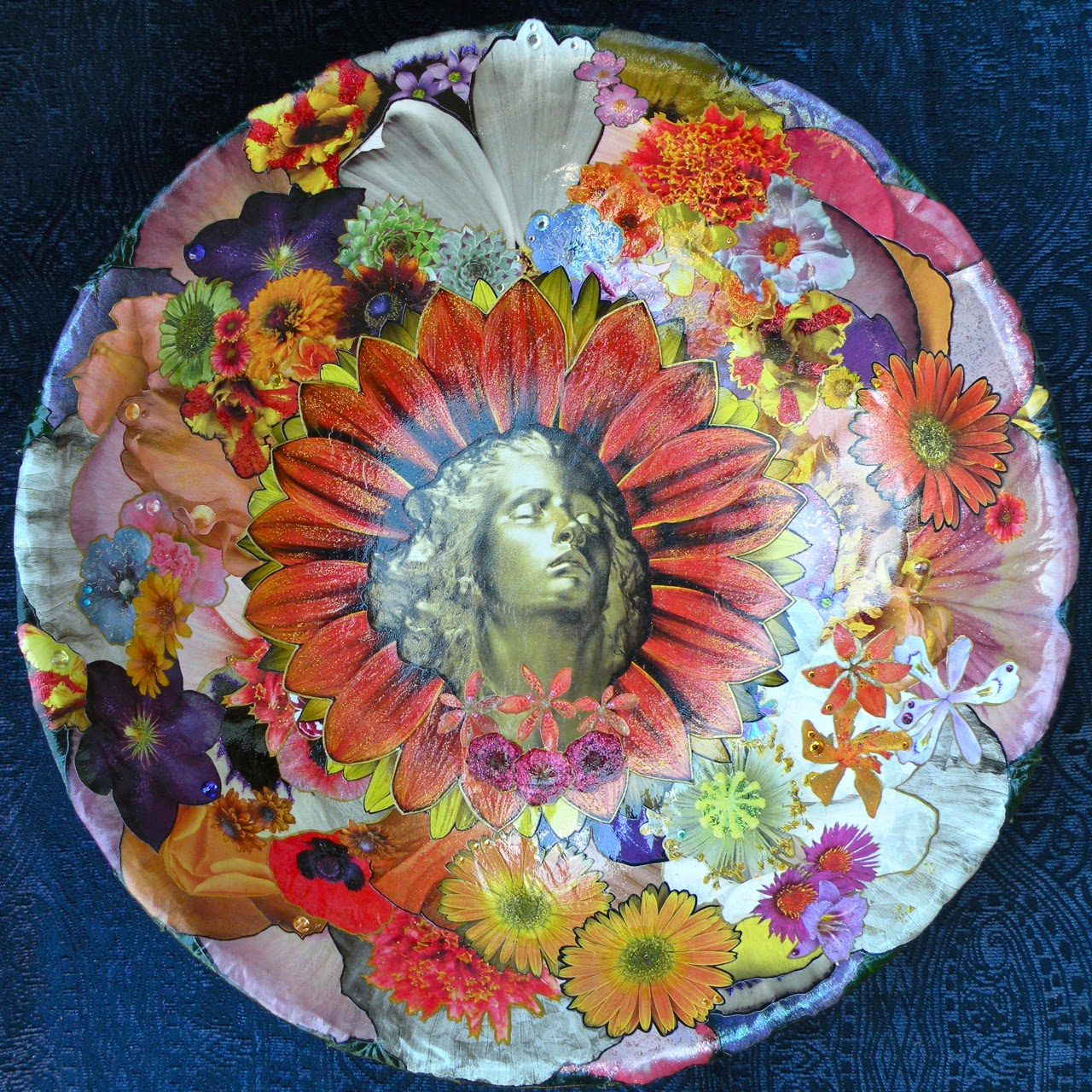 Rapture.  Offering Art Bowl by Moma Fauna.