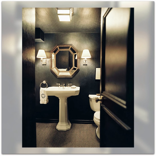 Inspiration Day. Dramatic Black Bathroom. Baño.