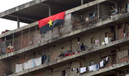 Angola: Primeira testemunha começou a ser ouvida, 5 polícias já o foram