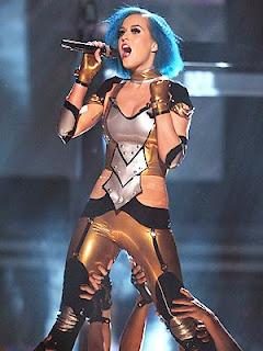 Glitzy Lips,(Katy Perry, Ashanti) makes Grammy & GMA debut