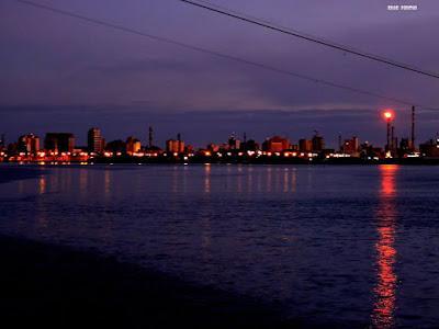 Rio Grande a Noite Visto da Lagoa dos Patos