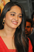 Anushka at rudramadevi trailer launch-thumbnail-16