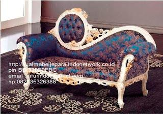 sofa klasik cat duco jati,sofa klasik jepara Mebel furniture klasik jepara jual set sofa tamu ukir sofa tamu jati sofa tamu antik sofa jepara sofa tamu duco jepara furniture jati klasik jepara SFTM-33071
