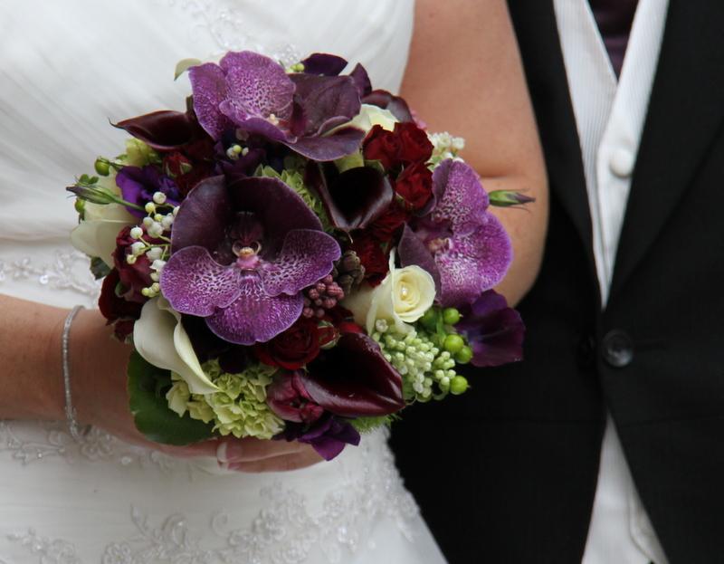 A Sneaky Peek at Natalie & Ian\'s Deep Purple Wedding Day at ...