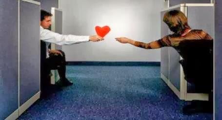 كيف تكون اجتماعى ومحبوب من جميع الناس..طبق معى هذه الخطوات البسيطة  - popular man send your love