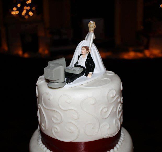 Торт на весіллі програміста