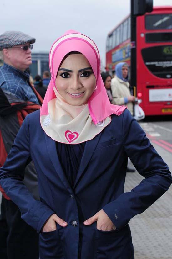 Gambar dan Foto Jelita Mawar Karim