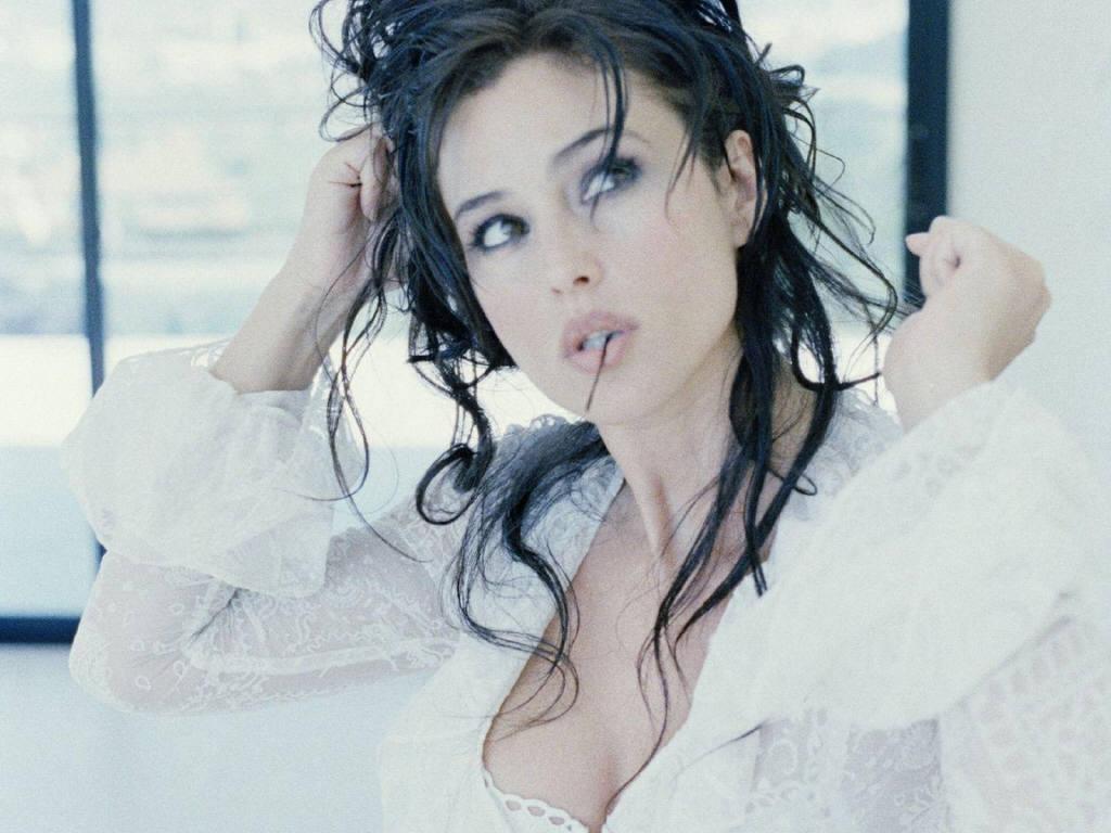 Monica Bellucci: Monica Bellucci Hd Wallpapers Monica Bellucci