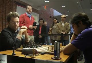 Nakamura donne une leçon de blitz à Aronian à Saint-Louis en 2014 © Chess & Strategy
