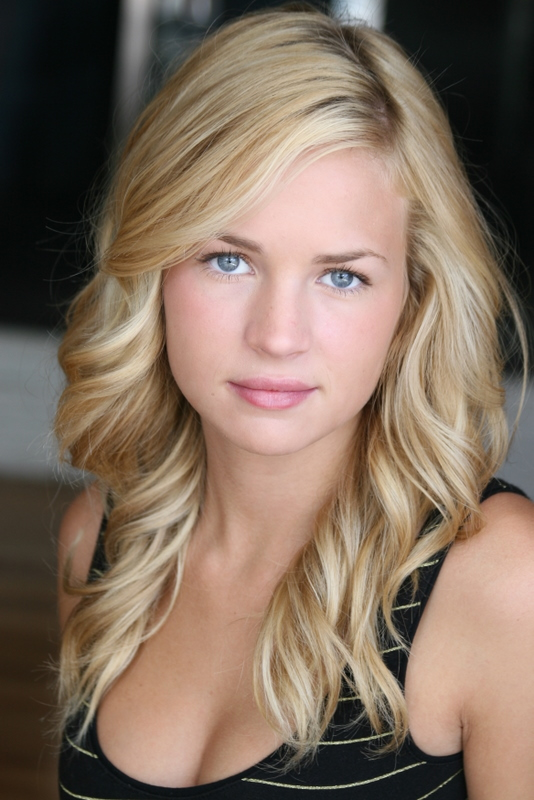 Model Britt Robertson Photo picture collection 2012