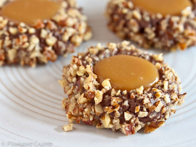 Chocolate turtle cookies ricetta cioccolato mou caramello nocciole biscotti dolcetti cosa blogga in pentolacosabloggainpentola