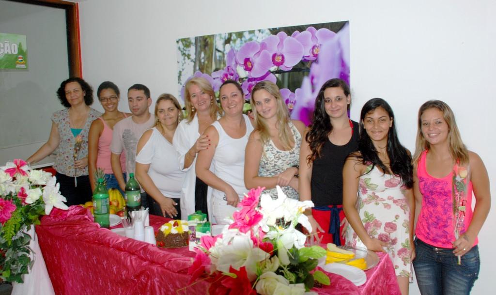 Equipe de trabalho do Hemonúcleo de Teresópolis comemora o Dia Internacional da Mulher