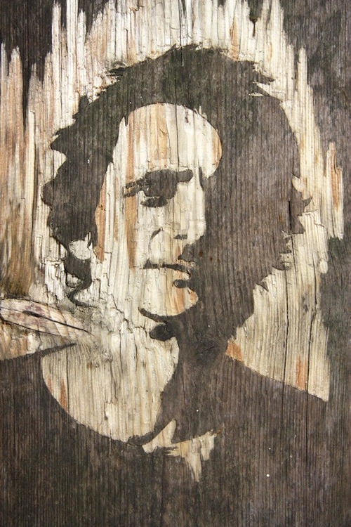 12-Wood-Portraits-Kyle-Bean-Illustrator-Art-Director-who-makes-things-out-everything-www-designstack-co