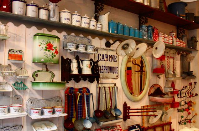 shop 39 in batignolles brocante des batignolles 16 rue. Black Bedroom Furniture Sets. Home Design Ideas