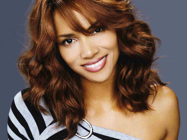 halle berry hairstyle wallpapers +(6) Halle Berry photo sexywomanpics.com