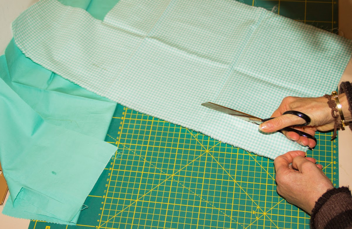 Tagliare la stoffa | FabricUp