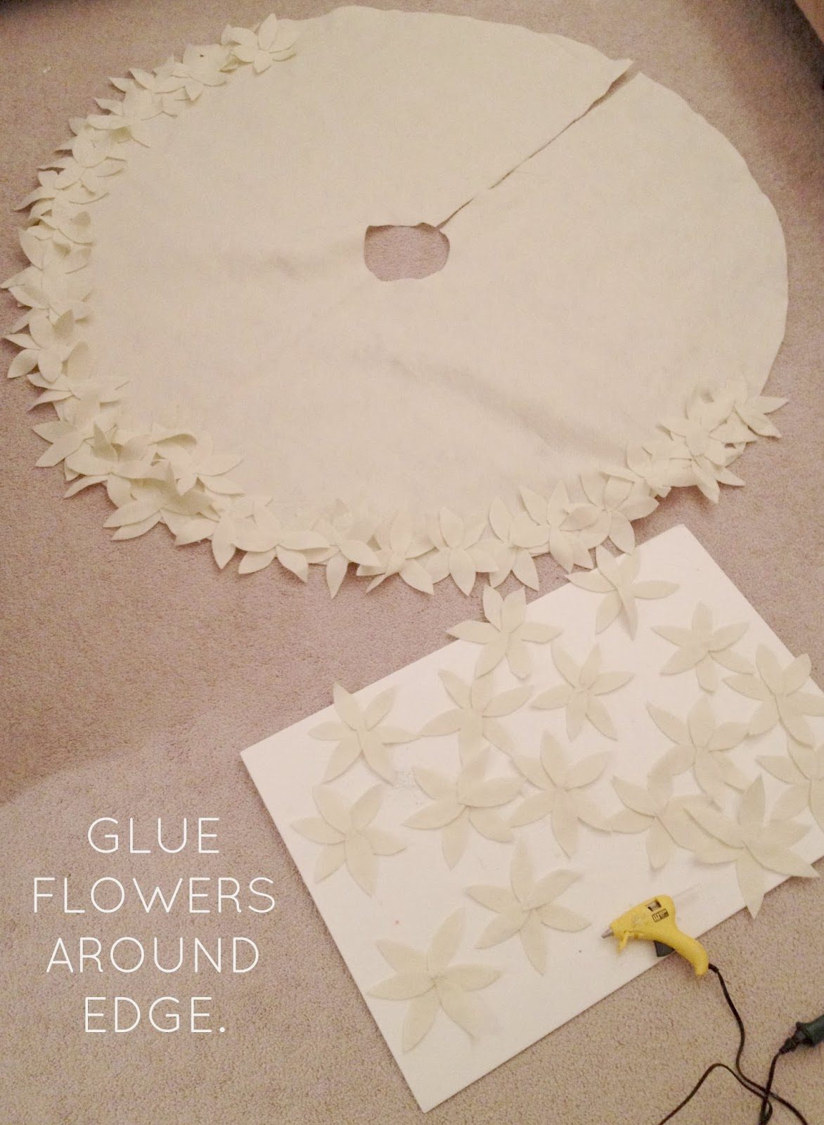 How To Make A NO SEW Christmas Tree Skirt LiveLoveDIY Bloglovin' - Make A Christmas Tree Skirt