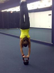CrossFit Handstand Kettlebell
