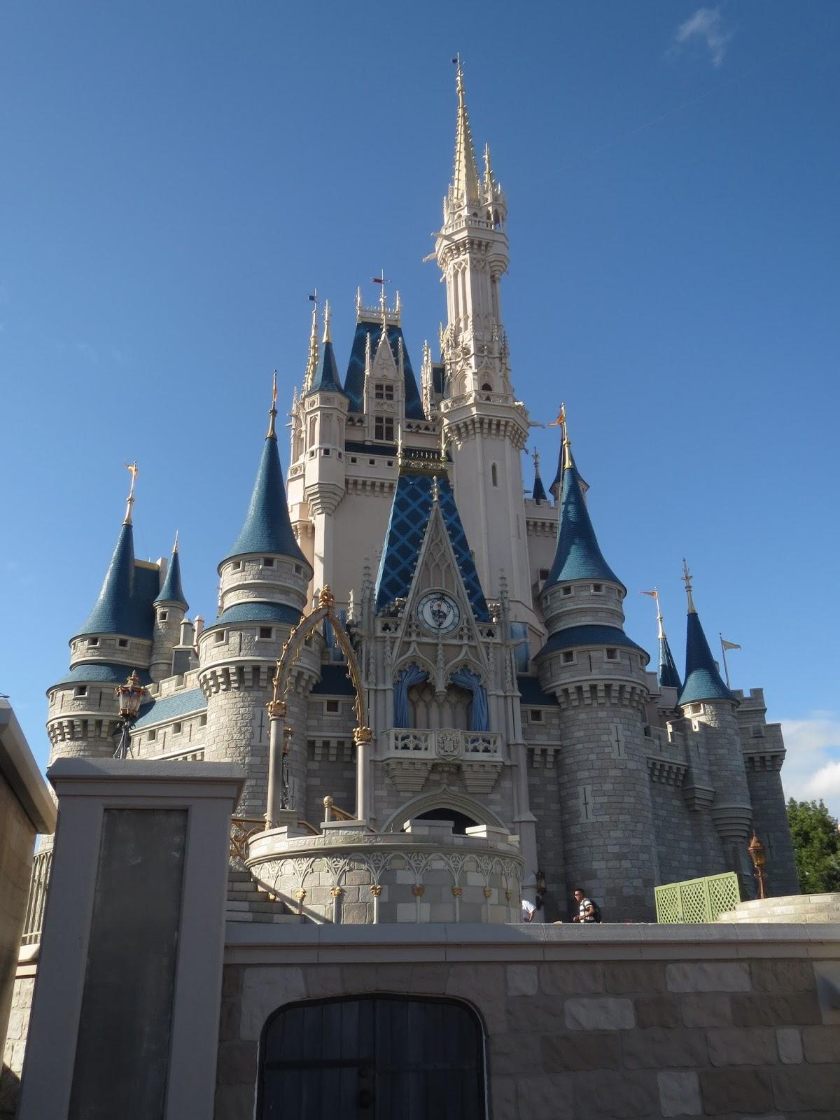 Disney\'s Magic Kingdom   The Spanish Bardot