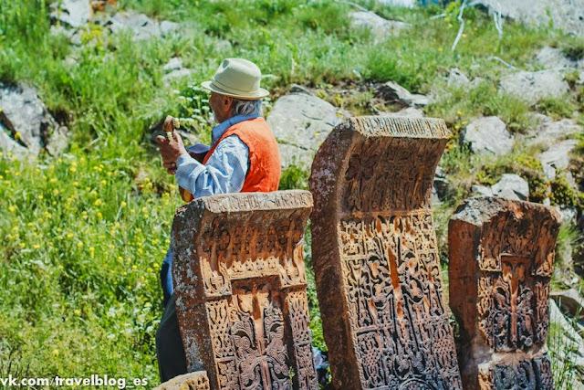 Хачкары на Севанском полуострове