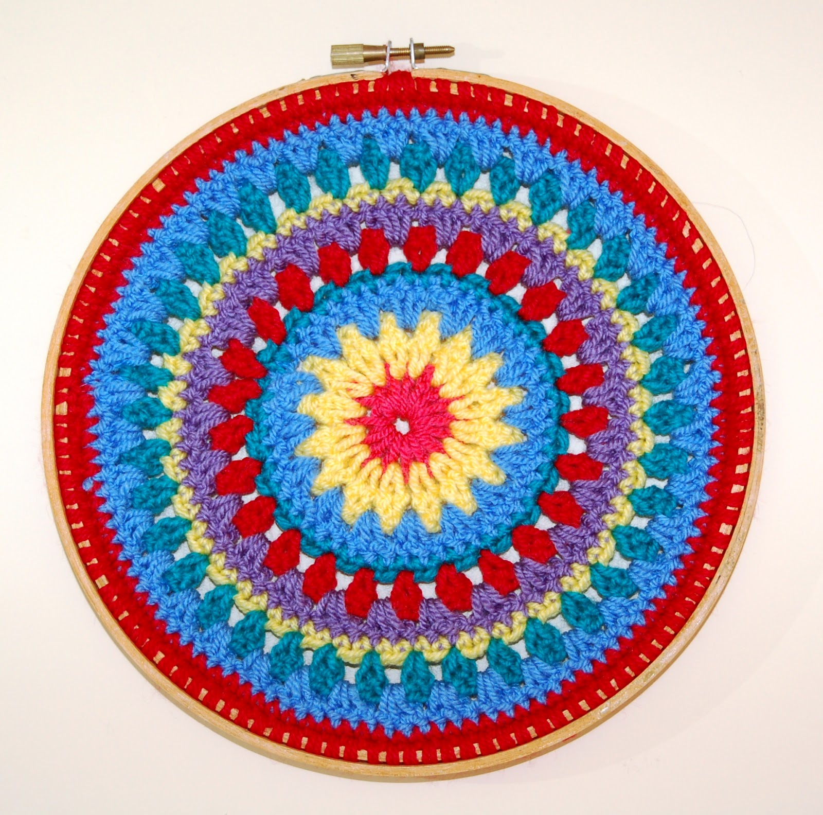 Easy Crochet Mittens   Free Crochet Patterns