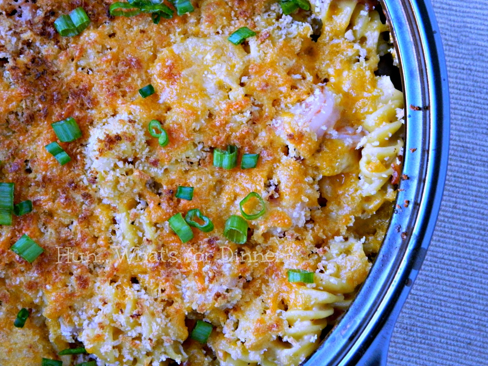 Baked Mac 'n Cheese with Shrimp and Bacon www.hunwhatsfordinner.com