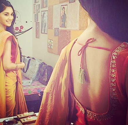 nikita dutta saree back