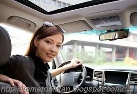 Atur Spion Tengah anda sebelum mengendarai mobil