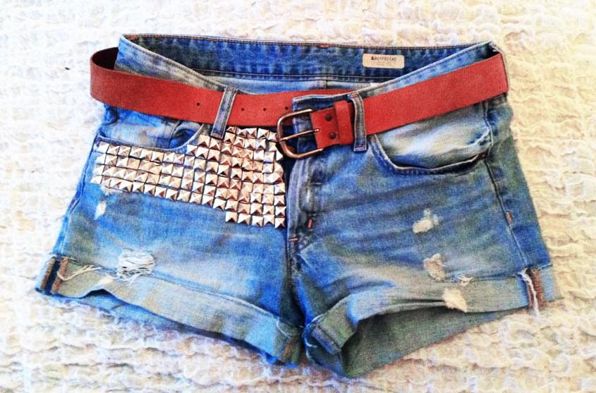 traumfunke diy studded jeans shorts mit nieten. Black Bedroom Furniture Sets. Home Design Ideas