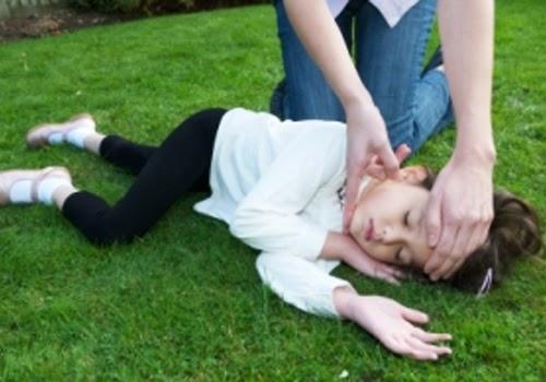 Cara Mengobati Serta Pertolongan Pertama Bila Anak Kejang-Kejang