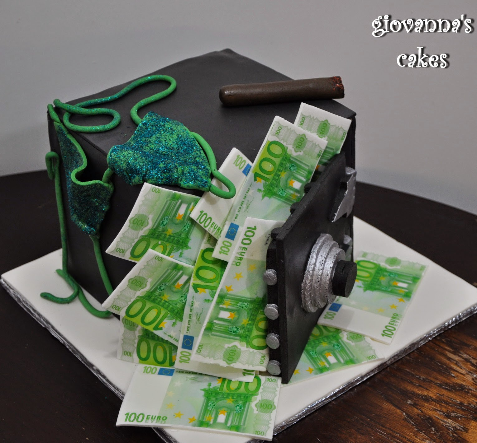 giovannas cakes Money in the seif birthday cake