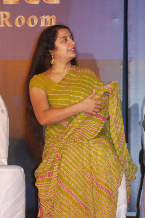 suhasini maniratnam @ a saint in the boardroom book launch glamour  images