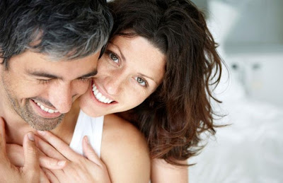 5 Ways To Show Gratitude In Your Relationship - woman hugging a man