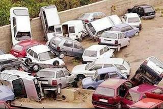 smesne slike: lančani sudar automobila